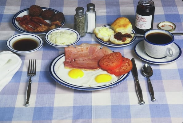 Typical Smoke House Breakfast with Country Ham, red eye gravy, grits ...