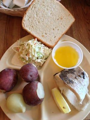 Pelletier s restaurant fish boil fischrestaurant for Wisconsin fish boil