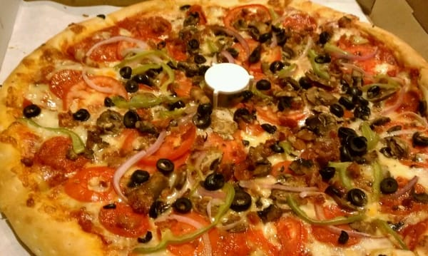 Pizza: Pepperoni, sausage, bacon, mushrooms, tomatoes, green peppers ...