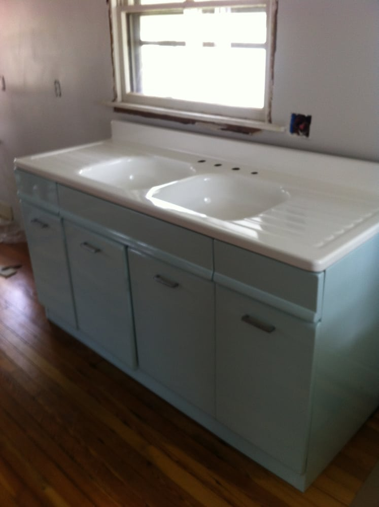 Refinished vintage 1940 39 s american kitchen cabinet and for 1940 kitchen cabinets