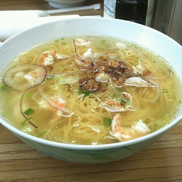 how to make egg noodle soup