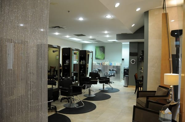 Par exsalonce oak park overland park ks united states for 95th street salon