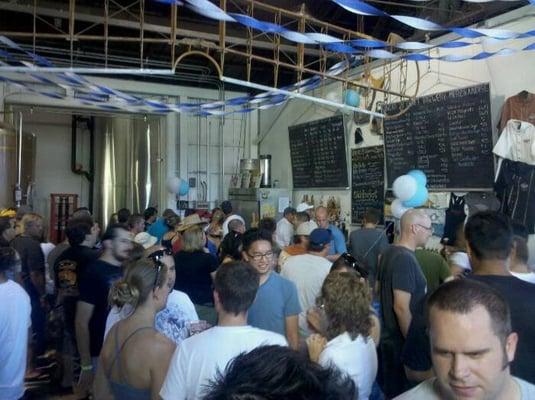 Hangar 24 Craft Brewery: Photos