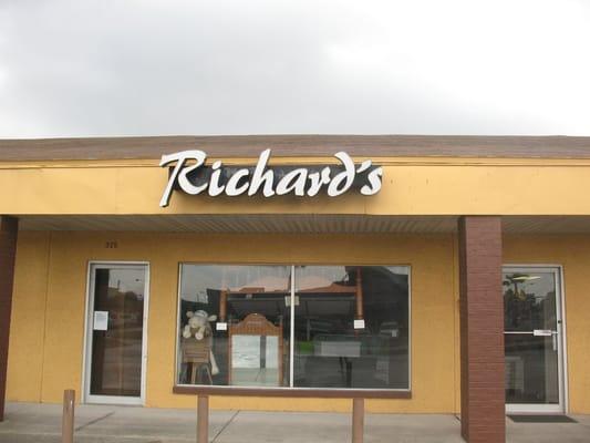 Richard's Mattress & Wicker Super Store MOVED Beaches