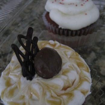Cake Bakery On Waukegan And Oakton