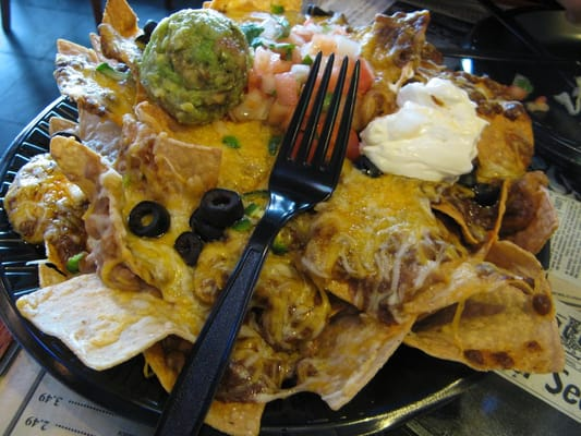 nachos with everything