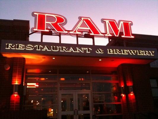 The Ram Restaurant Schaumburg Il