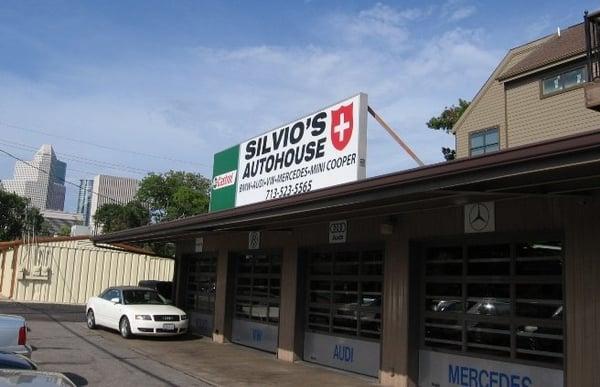 Silvio s autohouse fourth ward houston tx yelp for Mercedes benz of houston greenway staff