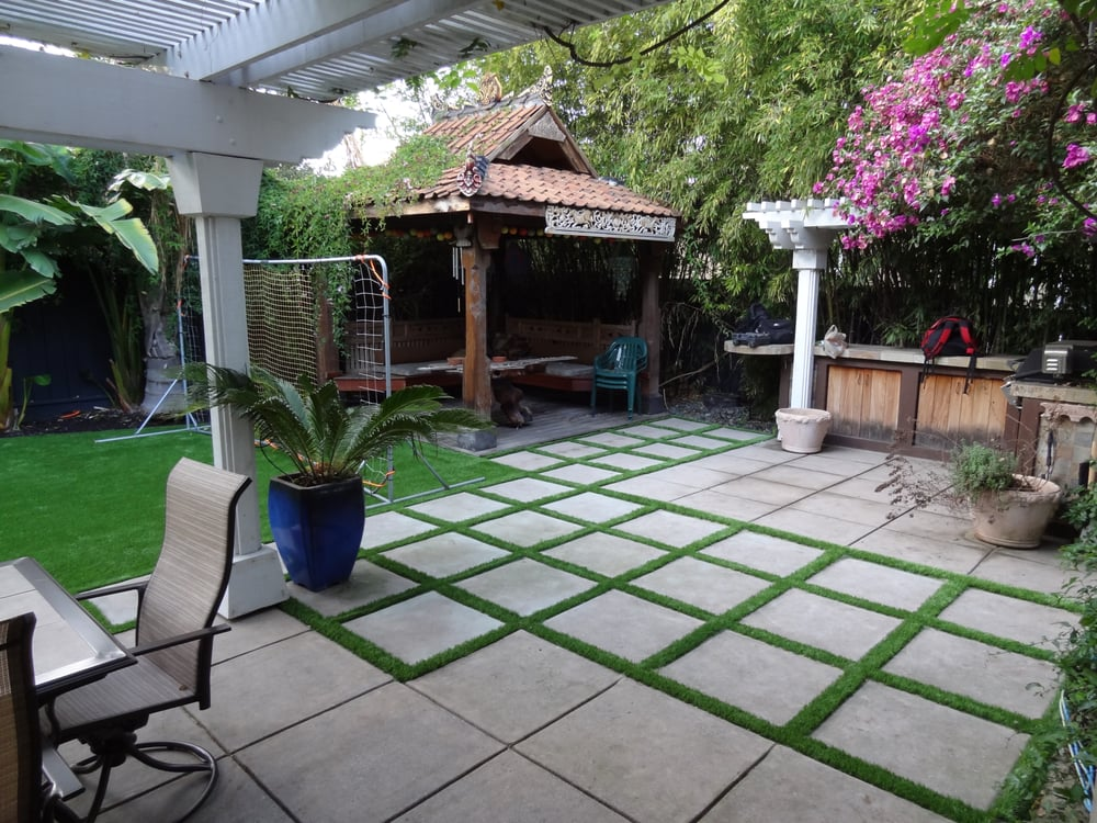 Patio Designs Pavers Grass : Artificial grass installed in the entire backyard and side