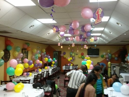 1st Birthday Balloon Decorations | Yelp