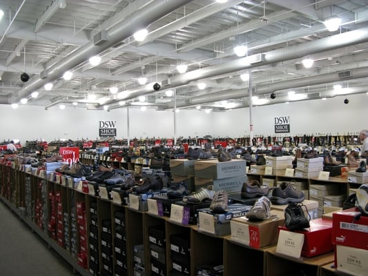 DSW Shoe Warehouse - Shoes, Boots and Handbags - Union Square, San Francisco Shopping