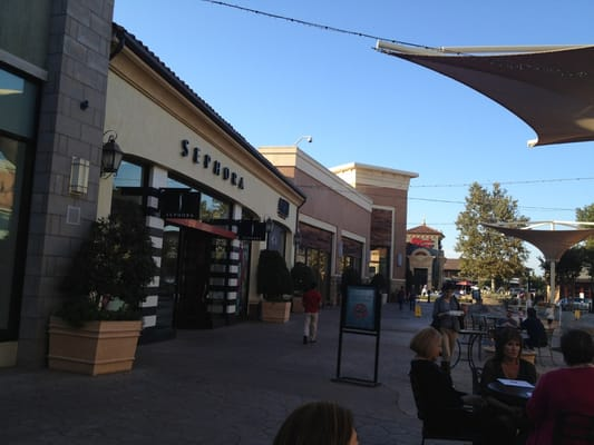 Clothing stores in fresno
