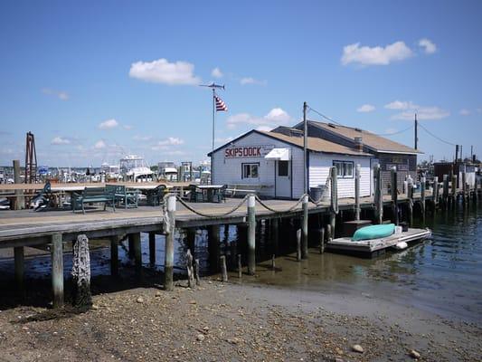 Skip s dock wakefield ri verenigde staten yelp for Tp fish market