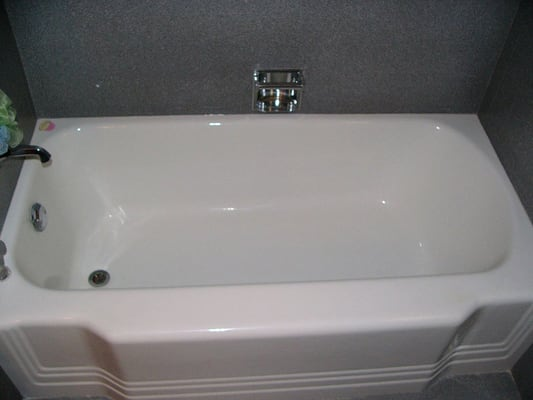 miracle method bathtub refinishing 18 photos refinishing services