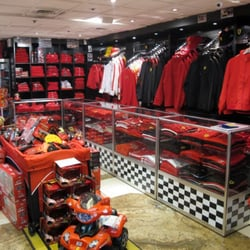 Boutique Ferrari, Paris