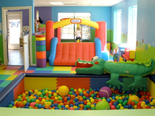Custom ball pit and bounce house yelp for Ball pits near me