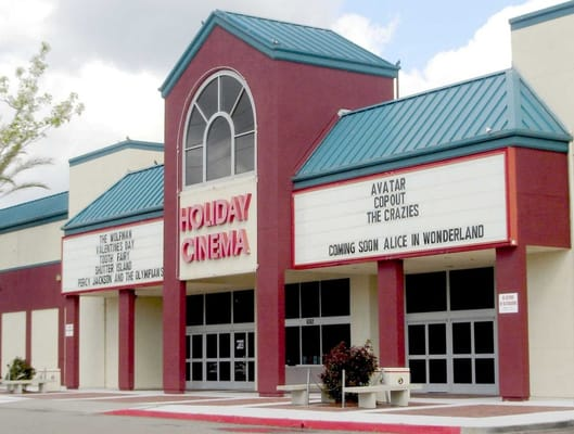 Regal Stockton Holiday Cinema 8 North West Lane, Stockton, CA () ext.