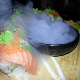 Rainbow roll with great preaentation!