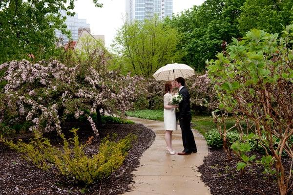 Photo By Serendipity Portraits Osaka Gardens Chicago Wedding Photography Yelp