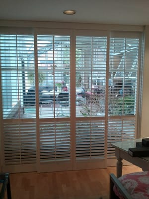... 2 1 2 Quot Louvered Patio Door Shutters In A Bypass Track ...