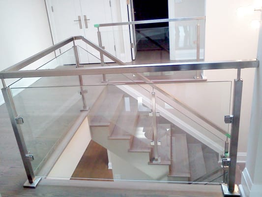 Mm Glass Screen Balcony Specification