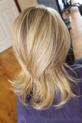 Bleach Blonde Hair With Highlights And Lowlights Images & Pictures ...