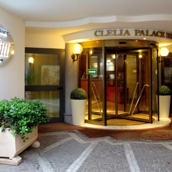 Clelia Palace Hotel (entrance)