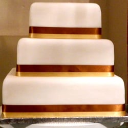 3-square tier wedding cake