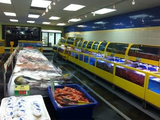 Seafood paradise fish market 8955 e garvey avenue for Fish market hours