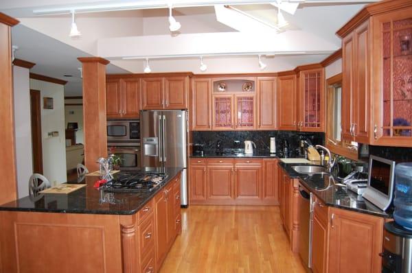 chicago kitchen cabinets maple frameless yelp