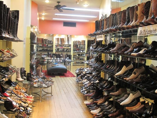 Davinci Shoe Store From Inside Picture