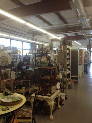 Bellevue antique mall moved bellevue nashville tn for Antique stores in nashville