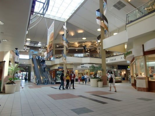 Lakewood Towne Center provides an excellent mix of over 40 stores of retail, restaurants, services, and entertainment.