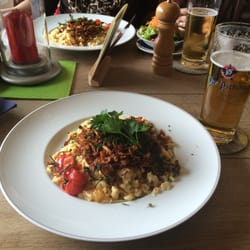 Spätzle with 3 cheeses and fresh beer.