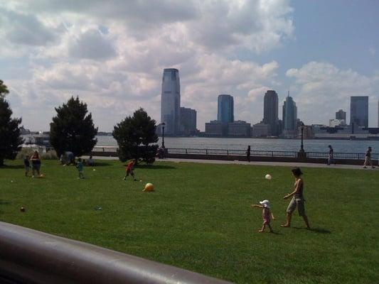 Nelson a rockefeller park park gr nanlage new york for 10 river terrace new york ny 10282