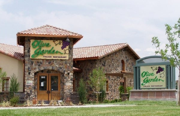 Olive garden italian restaurant closed town and country saint louis mo yelp for Olive garden locations near me