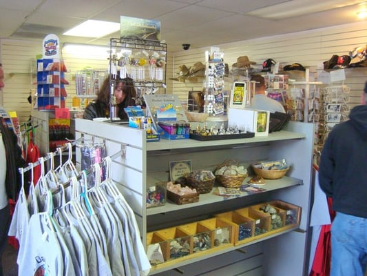 Hoover dam lookout gift shop boulder city nv united for Arts and crafts stores in las vegas