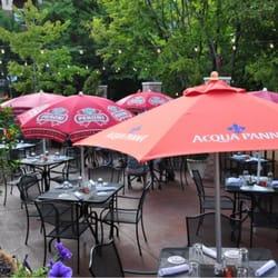 Italian Restaurants Near Steppenwolf Theater