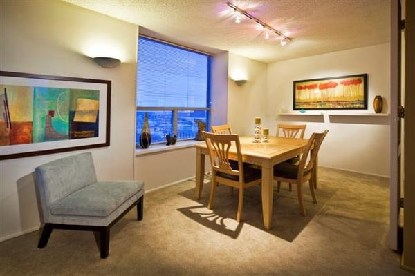... Bedroom apartments and townhomes available in downtown Indianapolis