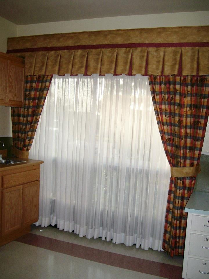 Http Windowblindsndrape 173 Ries Com Drapes Blinds Cornice