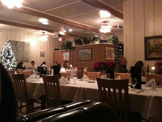Big Italian Restaurants Near Me: Seasons Restaurant