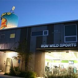 Run Wild Sports logo