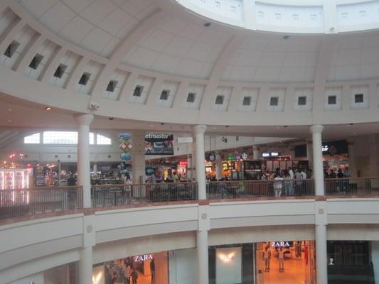 Menlo Park Mall 46 Photos Shopping Centers Edison