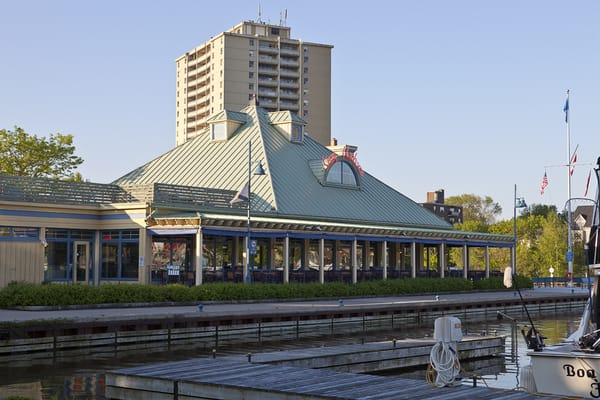 Bar And Grill Restaurants In Mississauga