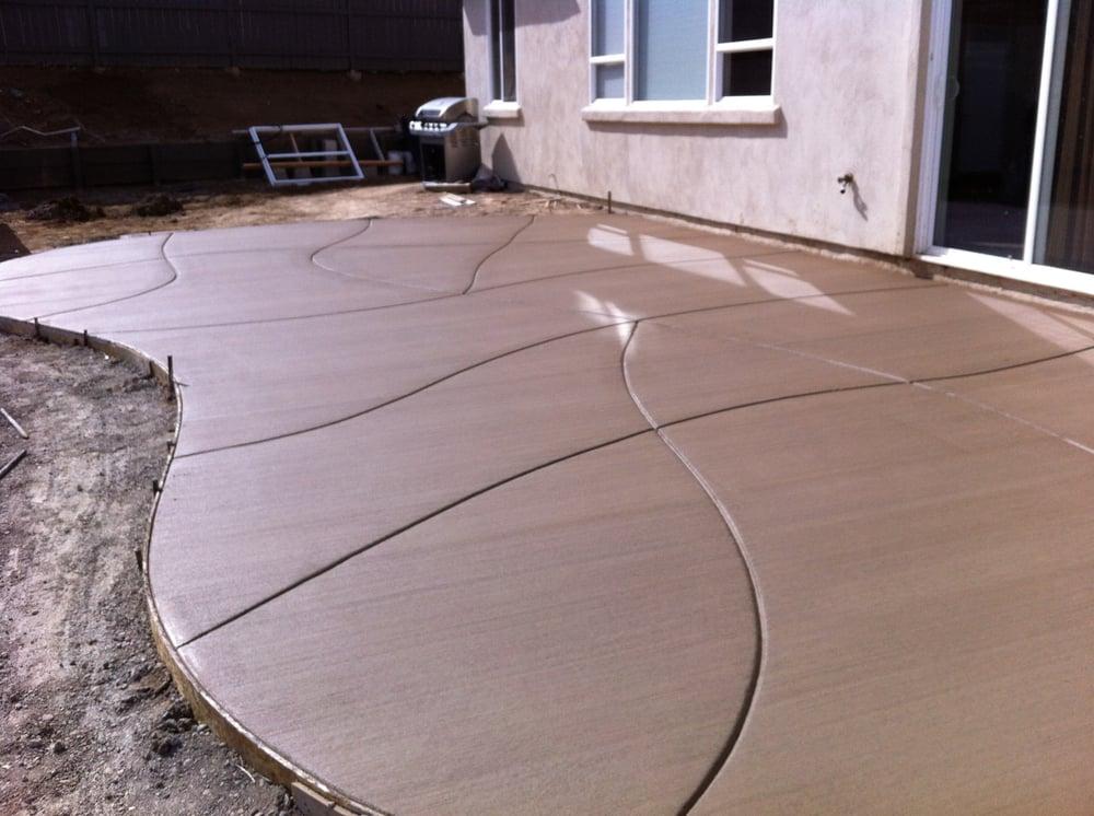Colored Broom Finish Concrete With Decorative Control