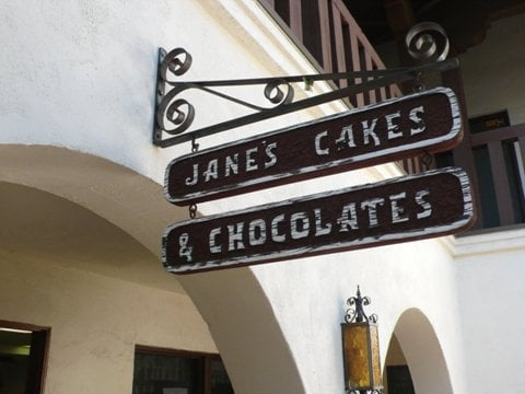 Janes Cakes And Chocolates