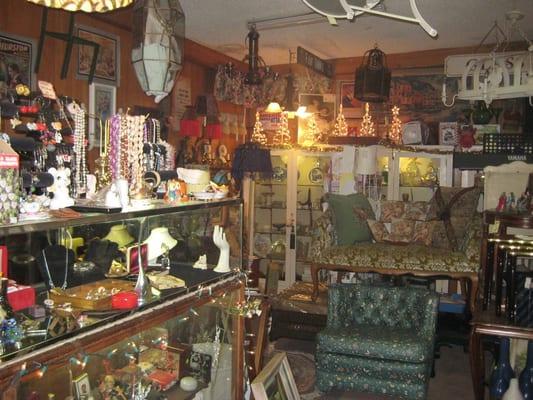 T-Queen Thrift Store - 13 Photos - Thrift Stores ...