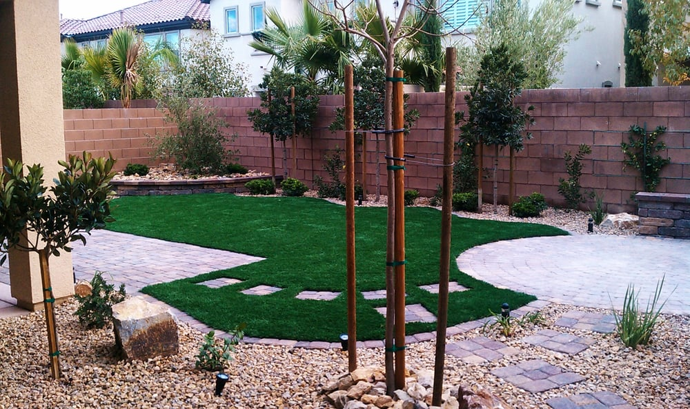Pet Friendly Back Yard With Syn Grass Pavers Amp Water Wise